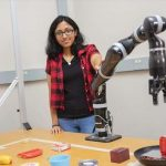 "Robot-""MacGyver"" makes its own tools"