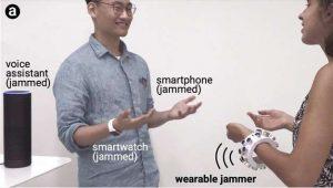 Βραχιόλι- «ασπίδα» απέναντι στα «αδιάκριτα» μικρόφωνα ηλεκτρονικών συσκευών