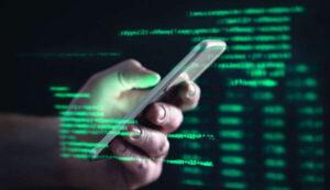 Το απλό βήμα που μπορεί να αποτρέψει χάκερ να υποκλέψει τα δεδομένα σας