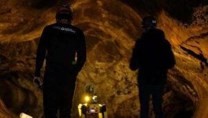 Η NASA εκπαιδεύει ρομποτικό σκύλο για να εξερευνά εξωγήινα σπήλαια